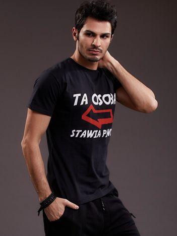 Czarny t-shirt męski z zabawnym napisem
