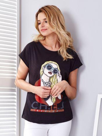 Czarny t-shirt z dziewczyną