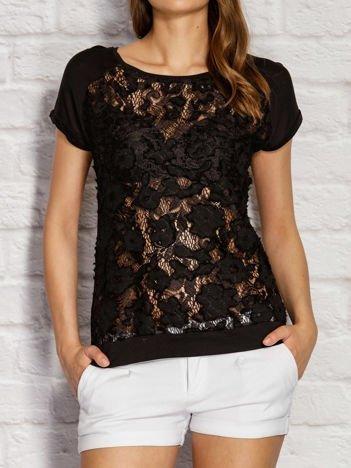 Czarny t-shirt z koronkowym przodem