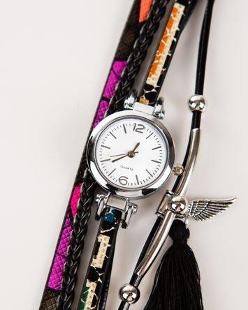 Czarny zegarek damski  z zawieszkami chwost i skrzydło
