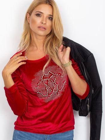 Czerwona aksamitna bluza damska z aplikacją