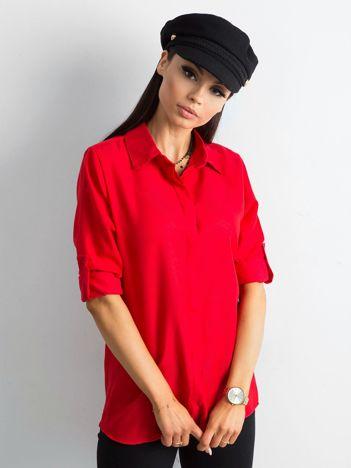 Czerwona bawełniana koszula