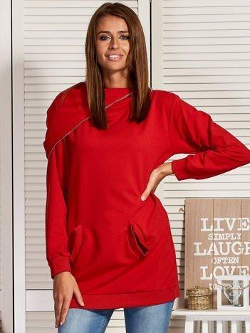 Czerwona bluza z kapturem na suwak