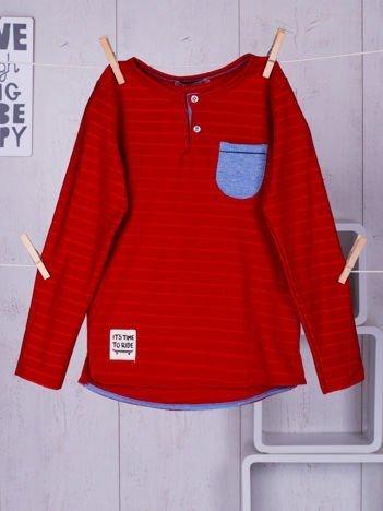 Czerwona bluzka chłopięca w plecione paski z kieszonką