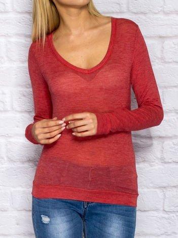 Czerwona bluzka ze ściągaczem