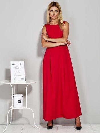 Czerwona długa sukienka wieczorowa z siateczkowym dekoltem z tyłu