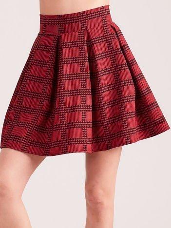 Czerwona rozkloszowana spódnica w pepitkę i kratę