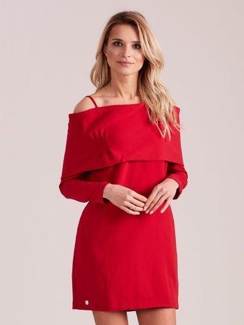 Czerwona sukienka cold arms z szeroką falbaną