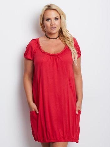Czerwona sukienka plus size Pristine