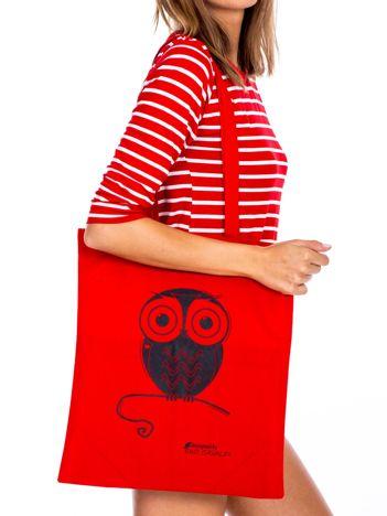 Czerwona torba materiałowa z sową