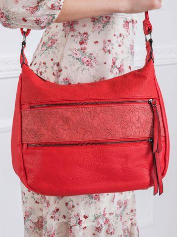 Czerwona torebka z ekoskóry