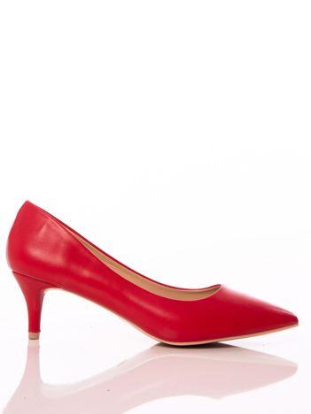 Czerwone półmatowe szpilki z noskiem w szpic