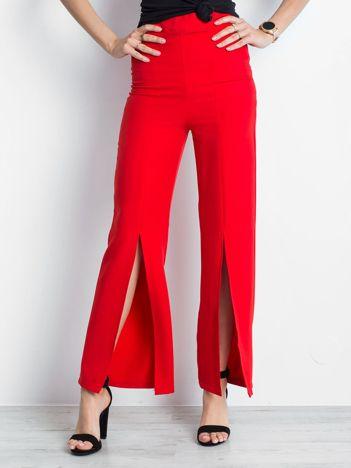 Czerwone spodnie Considerable