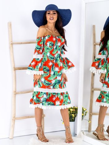 Czerwono-zielona wzorzysta sukienka w roślinne wzory