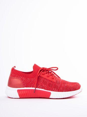 Czerwony buty sportowe Prmavera z błyszczącą nitką