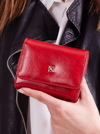 Czerwony damski portfel z ekoskóry