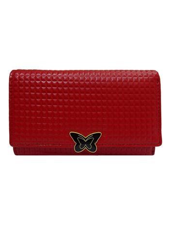 Czerwony portfel o geometrycznej fakturze