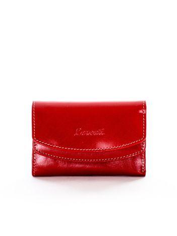 Czerwony portfel skórzany damski