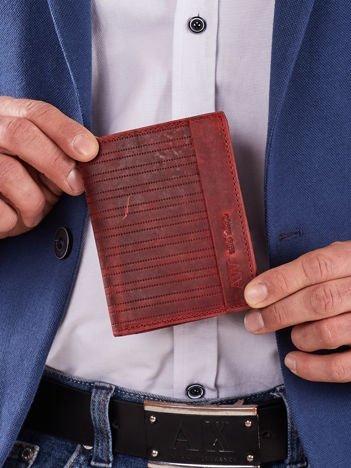 Czerwony skórzany męski portfel z tłoczeniem