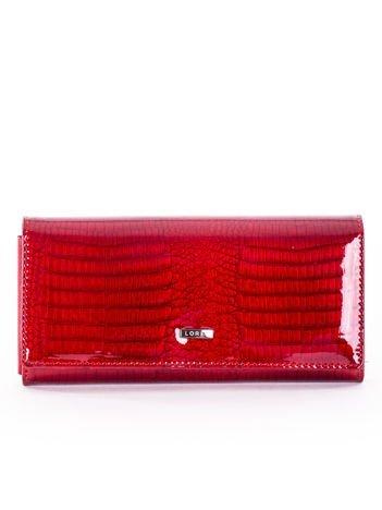 Czerwony skórzany portfel damski lakierowany