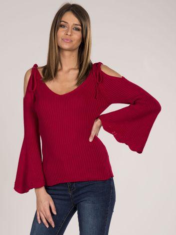 Czerwony sweter cold shoulder