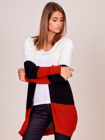 Czerwony sweter tricolor bez zapięcia