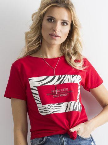 Czerwony t-shirt z motywem zwierzęcym