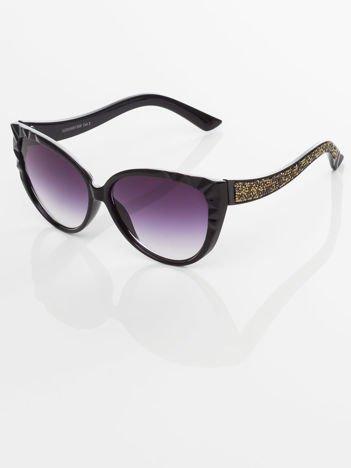 Damskie okulary przeciwsłoneczne z przepięknymi tłoczeniami na oprawkach