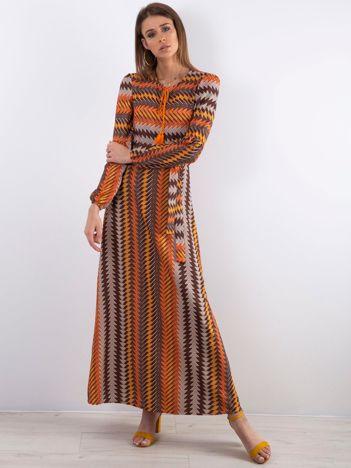 Długa sukienka we wzory