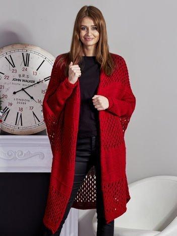 Długi ażurowany sweter czerwony