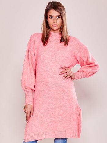 Długi sweter damski z szerokimi ściągaczami różowy