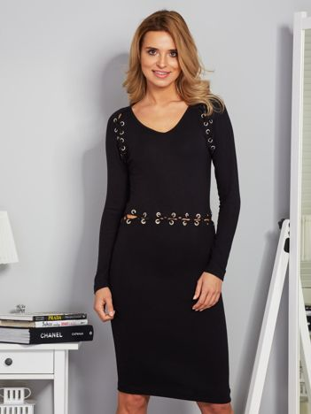 Dopasowana sukienka ze sznurowaniem czarna