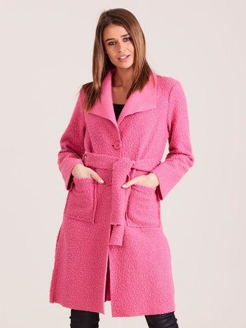 Dzianinowy damski płaszcz różowy
