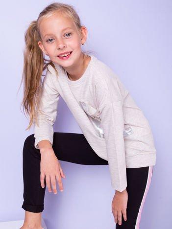 Dziewczęca beżowa bluza z kieszenią i dżetami