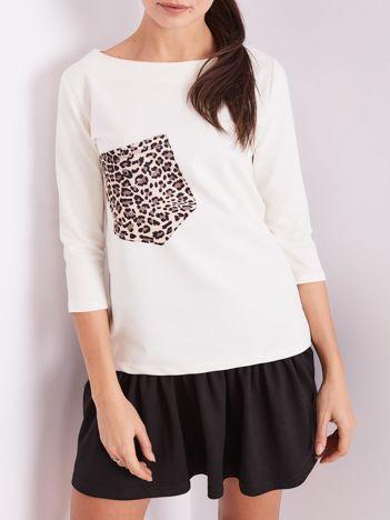 Ecru bluzka z motywem zwierzęcym