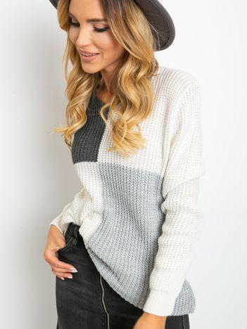 Ecru-ciemnoszary sweter Latina