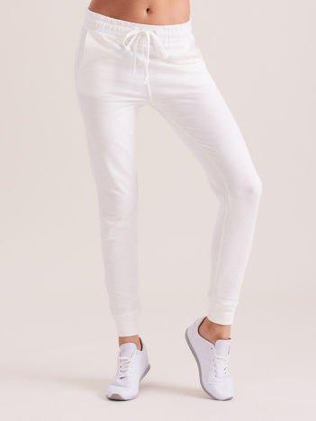 Ecru damskie spodnie dresowe