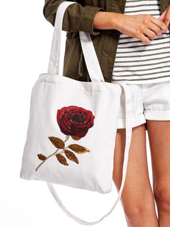 Ecru materiałowa torba z cekinową różą