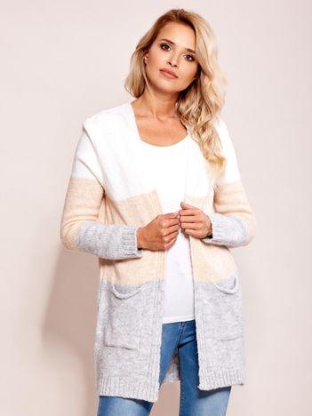 Ecru-różowy sweter narzutka z kieszeniami