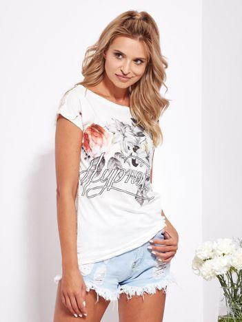 Ecru t-shirt z nadrukiem kwiatów i koronkowym tyłem