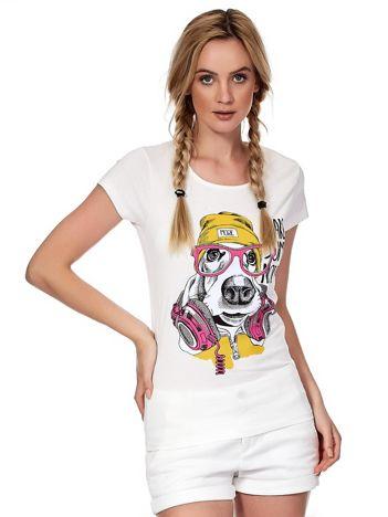 Ecru t-shirt z zabawnym psem