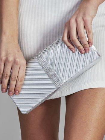 Elegancka kopertówka z ozdobną listwą z dżetów srebrna