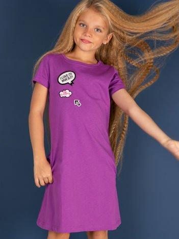 Fioletowa bawełniana sukienka dla dziewczynki z naszywkami