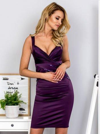 Fioletowa sukienka z cekinowymi wstawkami