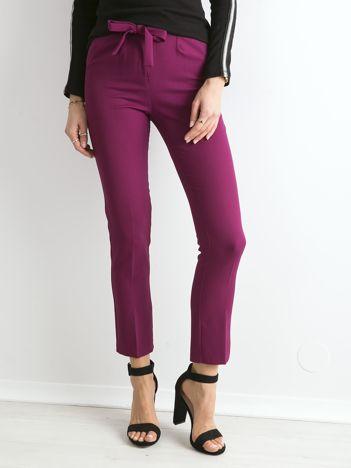 Fioletowe spodnie z wiązaniem