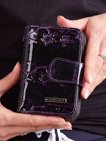 Fioletowy kwiatowy portfel ze skóry naturalnej