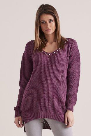 Fioletowy sweter z perełkami
