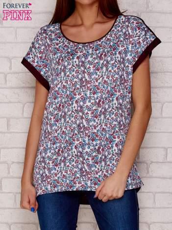 Fioletowy t-shirt w kwiaty