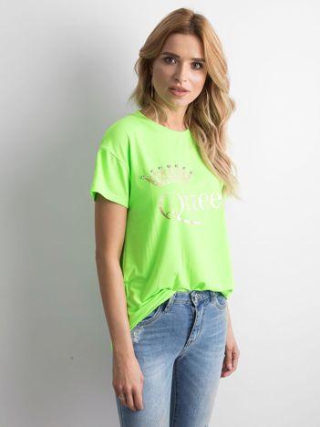 Fluo zielony t-shirt z napisem i aplikacją