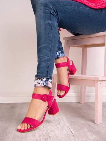 Fuksjowe sandały SABATINA na szerokim obcasie